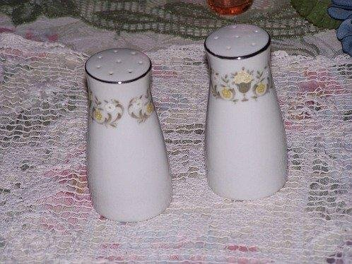 Salt Pepper Shakers White Elegant Made in Japan